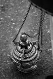 Incensiere di argento o di alpaga per bruciare incenso nella settimana santa Fotografie Stock Libere da Diritti