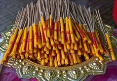 Incenso, candele per l'altare Fotografie Stock