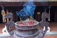 Incensory no pagode do quoc do tran Imagem de Stock