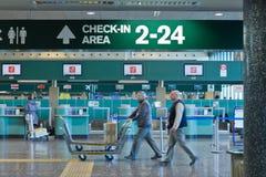 Incheckningområde i flygplatsen Royaltyfri Foto
