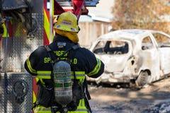 Incident de bandit armé d'incendie criminel dans Springfield l'Orégon le 27 octobre images stock