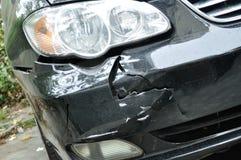 Incidente di schiacciamento dell'automobile Immagine Stock