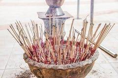 Incienso para adorar al Buda Foto de archivo libre de regalías