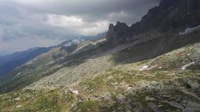 Inclinação de montanha despida no maciço de Mont Blanc, Haute-Savoie, França, Europa fotos de stock royalty free