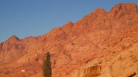 Inclinação de montanhas do deserto vídeos de arquivo