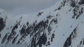 Inclinação do close-up da montanha Andreev vídeos de arquivo
