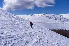 Inclinação nevado no centro do esqui de 3-5 Pigadia, Naoussa, Grécia Imagens de Stock
