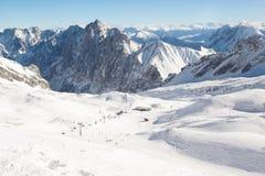 Inclinação no recurso de esqui Zugspitze germany Áustria Fotos de Stock