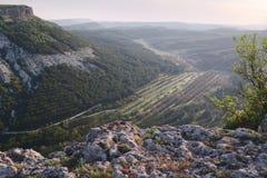 Inclinações da garganta da montanha, Crimeia, Bakhchisaraj Fotografia de Stock Royalty Free
