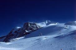 Inclinações do esqui Fotografia de Stock Royalty Free