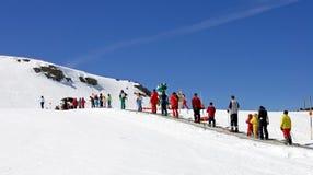 Inclinações do esqui da estância de esqui de Prodollano em Spain Imagem de Stock