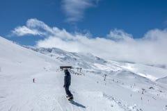 Inclinações do esqui de Pradollano em montanhas de Sierra Nevada na Espanha Imagem de Stock Royalty Free