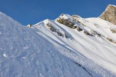 Inclinações do esqui, paisagem alpina majestosa fotografia de stock royalty free