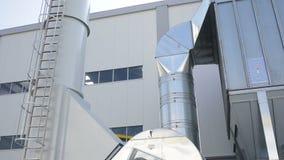 Inclinación inútil de las tuberías de la planta almacen de video