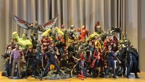 Incluyendo modelos del Super Heroes de la MARAVILLA foto de archivo libre de regalías