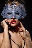In incognito donna nella mascherina antica di stile Fotografie Stock