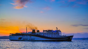 Incoming cruise ship Royalty Free Stock Images