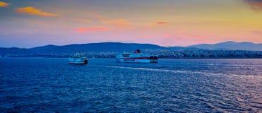 Incoming cruise ship Royalty Free Stock Photos