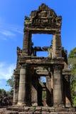 Incompleted två våningsbyggnad i Preah Khan Temple, Siem Reap Arkivfoton