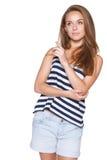 Inconformista de la muchacha del adolescente que señala en el espacio en blanco de la copia Fotografía de archivo libre de regalías