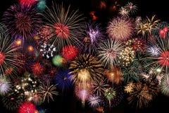 Inconsútil celebración de los fuegos artificiales en la noche Imagen de archivo