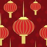 Inconsútil rojo chino con las linternas del oro Foto de archivo libre de regalías