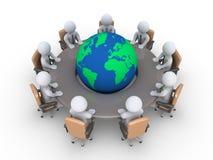 Incontrandosi circa i problemi globali Immagini Stock Libere da Diritti