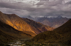 Incredible scenic view of high mountain path in Ladakh range, Le Stock Image
