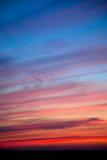 Incredibly härlig solnedgång, moln på solnedgången, färgrik solnedgång Royaltyfri Fotografi
