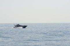 Incrociatore nel Mediterraneo Fotografia Stock Libera da Diritti