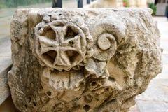 Incrocio antico inciso in pietra Immagine Stock Libera da Diritti