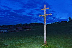 Incrocio con Jesus Christ alla notte Immagini Stock