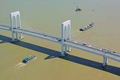 Incrocio della nave Sai Van Bridge, Macao, Cina fotografie stock libere da diritti