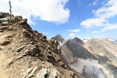 Incrocio della sommità sulla montagna Saulkopf e sul panorama del ghiacciaio, alpi di Hohe Tauern, Austria Fotografie Stock Libere da Diritti