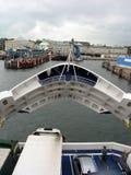 Incrocio di traghetto dalla piattaforma superiore Fotografie Stock