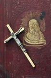Incrocio su Christian Book Fotografia Stock