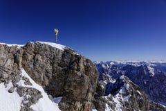 Incrocio sullo Zugspitze, Baviera, Germania della sommità Fotografie Stock Libere da Diritti