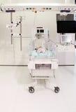 Incubadora en el hospital Imagenes de archivo