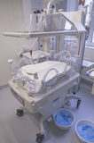 Incubadora para recién nacido Imágenes de archivo libres de regalías