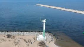 Incursione sopra la costa baltica vicina del radar del mare stock footage