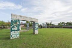 Incurvi i graffiti al parco nella città di Phuket, Tailandia immagine stock