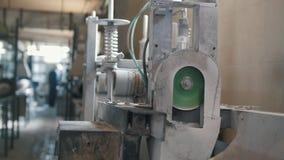 Indústria da química - produção das hastes de fibra de vidro - reforço composto video estoque