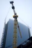 A indústria de edifício em uma névoa Imagem de Stock Royalty Free