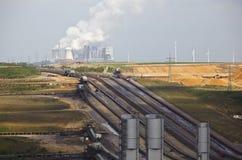 Indústria do lignite e central elétrica imagem de stock