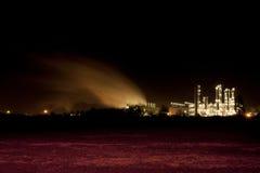 Indústria em a noite Foto de Stock Royalty Free