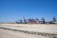 Indústria no porto de Rotterdam Imagens de Stock Royalty Free