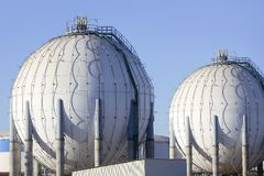 Indústria petroleira química grande do recipiente da gasolina do tanque Imagem de Stock Royalty Free
