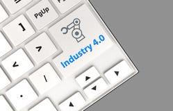Indústria robótico 4 do ícone e da palavra do braço 0 no teclado Conceito para a indústria 4 Fotografia de Stock Royalty Free