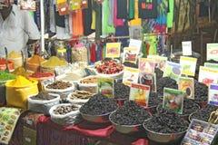 Inde, Goa r Thé noir et épices dans le bazar photographie stock