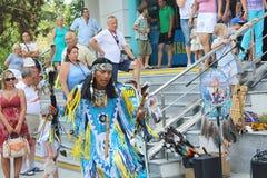 Indeci gata och att sjunga och att dansa, ritualer, ceremonier, dräkter Arkivfoton